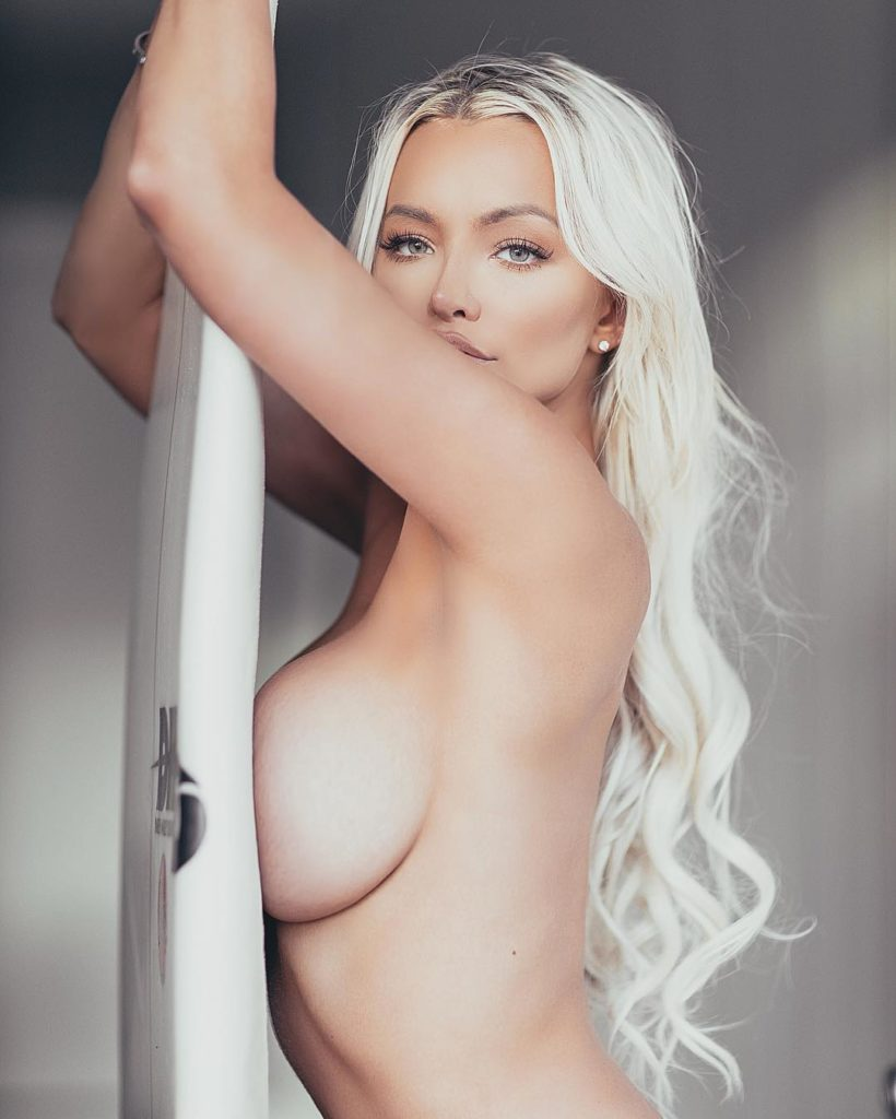 Инстаграм модель фото: блондинкаЛиндси Пелас